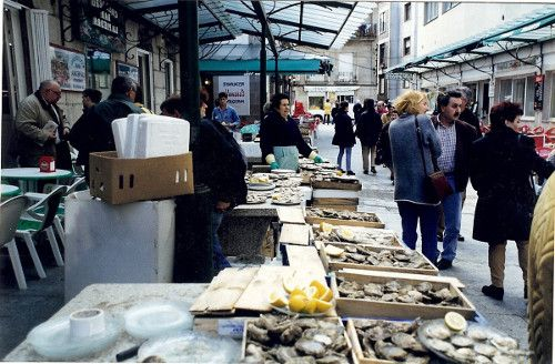 Calle de las Ostras en el Mercado de la Piedra de Vigo