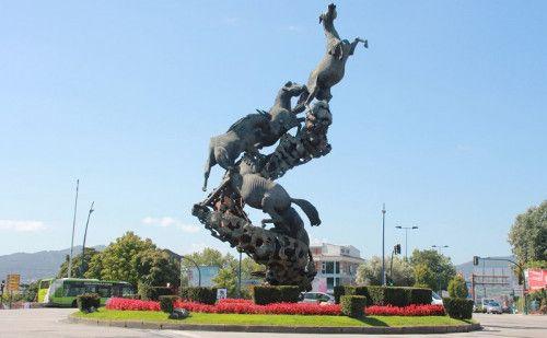 Monumento a los Caballos de Juan José Oliveira en Vigo