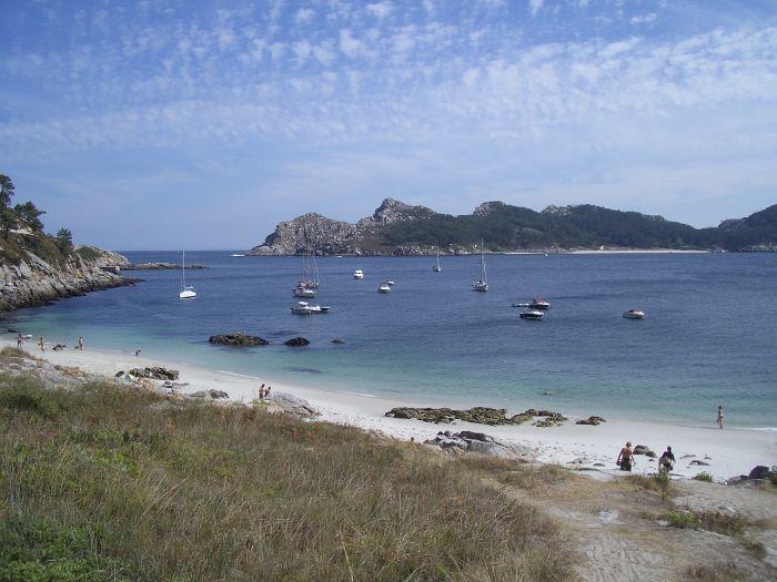 Rutas de senderismo y playa nudista en las Islas Cíes